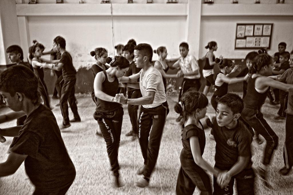 La escuela Sabor y Estilo Salsa, una famosa academia de baile, fueron los mejores bailarines de salsa del mundo entrenados desde muy temprana edad.